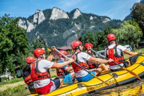 Rafting-Dunajec-rafting-na-Dunajcu-spływ-pontonowy-Dunajcem FUNRACE-2-2-1024x683
